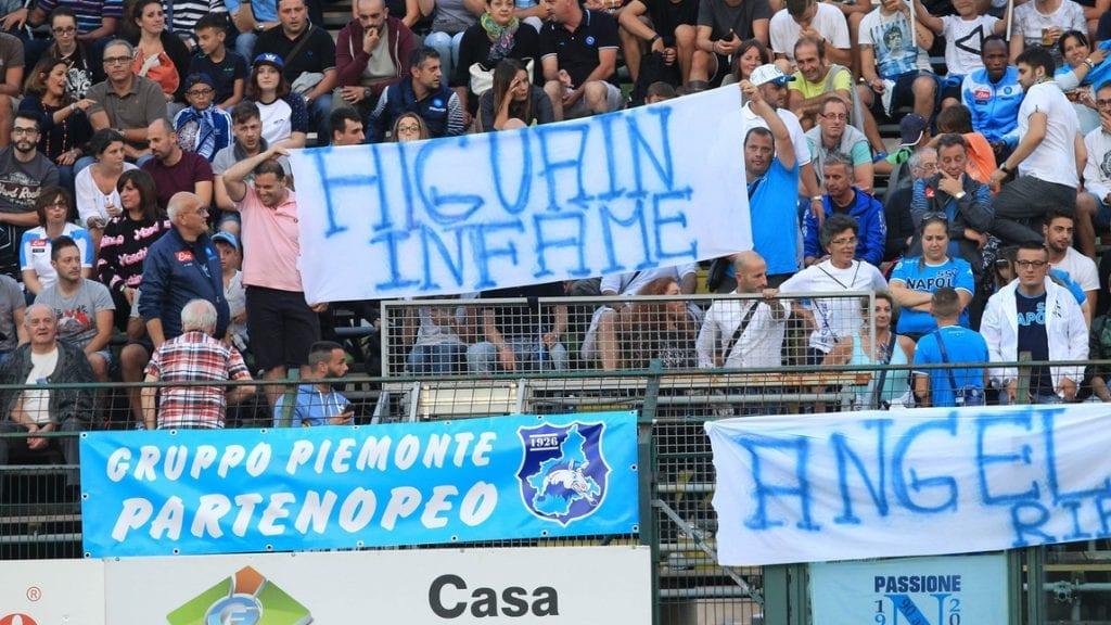 Ma perchè Napoli e i napoletani nutrono tanto rancore per un calciatore che ha comunque permesso di scrivere una bella pagina di storia del calcio partenopeo?