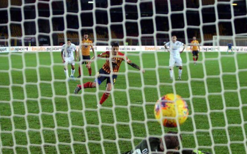 Lecce-Cagliari 2-2, rimonta pugliese nel finale e ben tre espulsi!