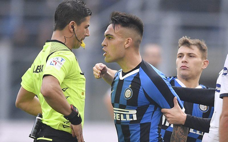 Furia Inter contro l'arbitro ma Lautaro Martinez ora rischia di saltare il derby
