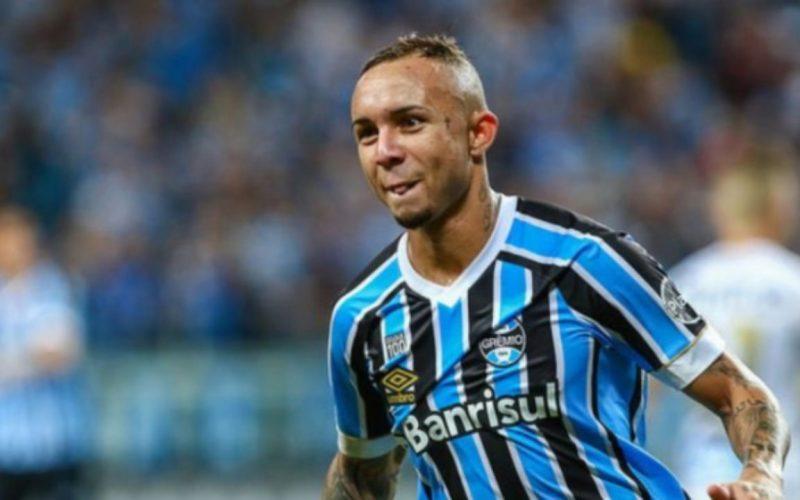 Calciomercato Napoli, c'è l'offerta per Everton!