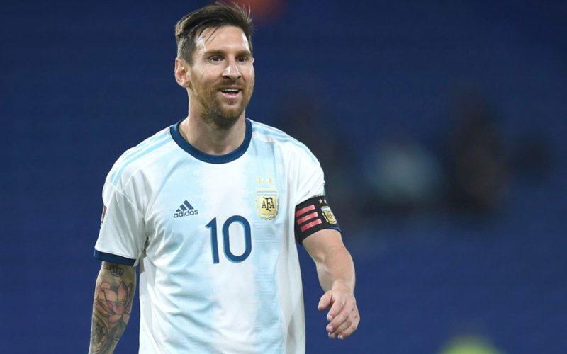 France Football e la copertina di Messi con la maglia del PSG