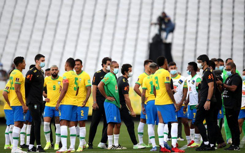 Incredibile, Brasile-Argentina sospesa dopo 6 minuti con polizia in campo